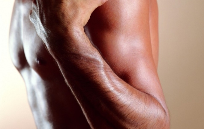 Quickly pump up the muscles of your hands will help intense workout