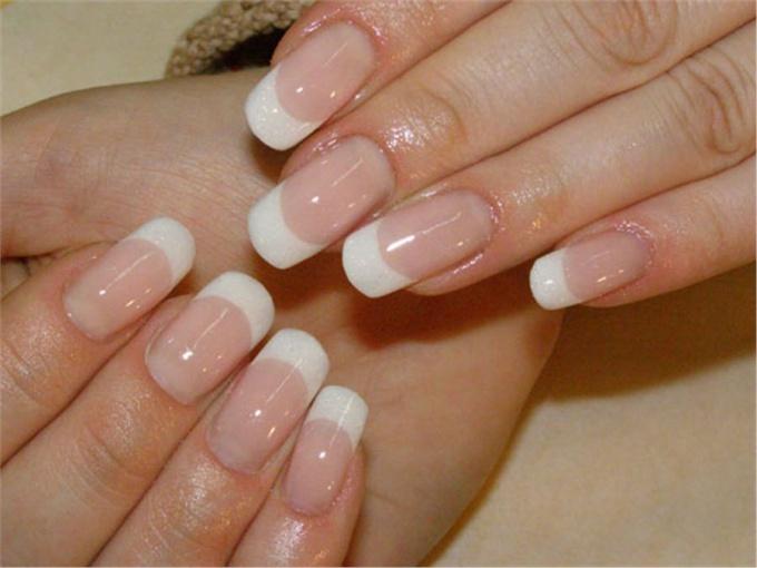 Как укрепить <b>ногти</b> и <strong>волосы</strong>