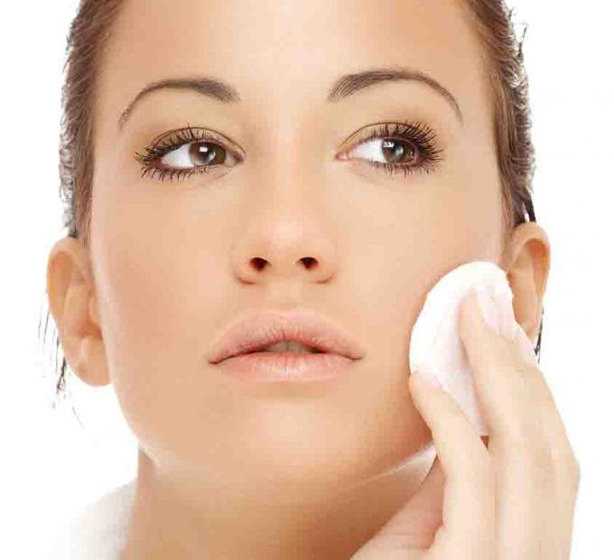Ухаживать за кожей лица  - целое искусство.