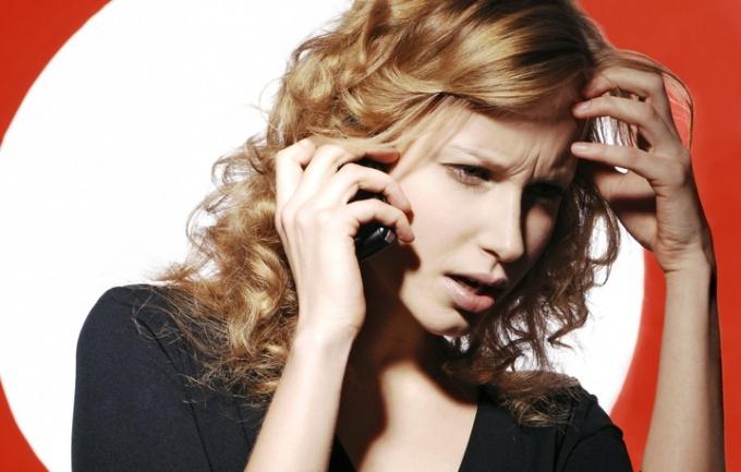 Разговаривая по телефону с незнакомыми, вы сможете преодолеть страх общения