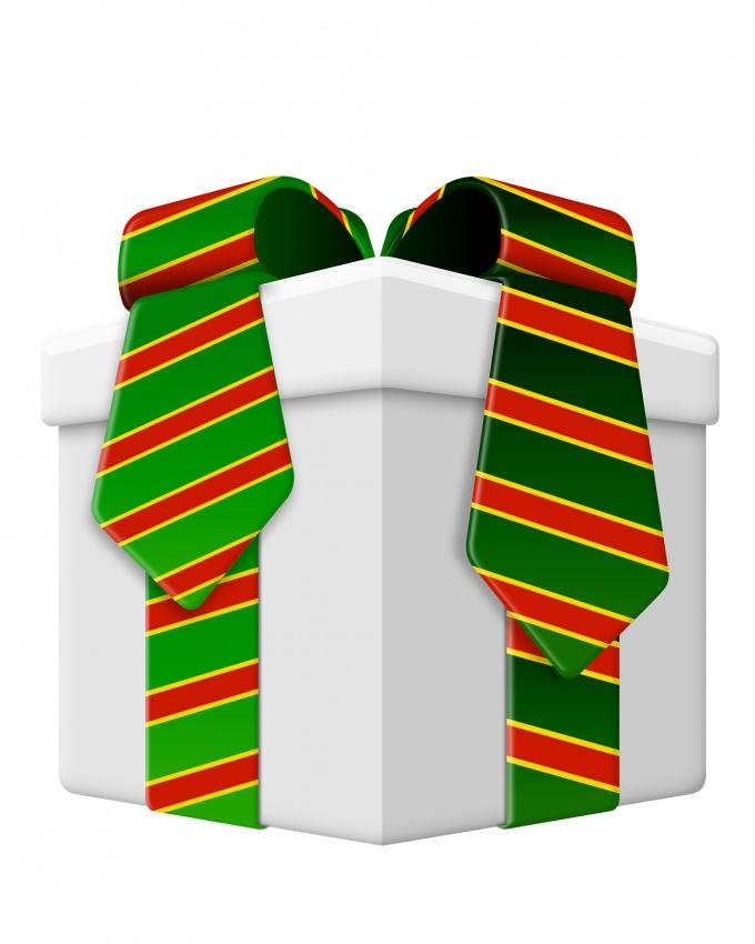 Как оформить подарки сотрудникам