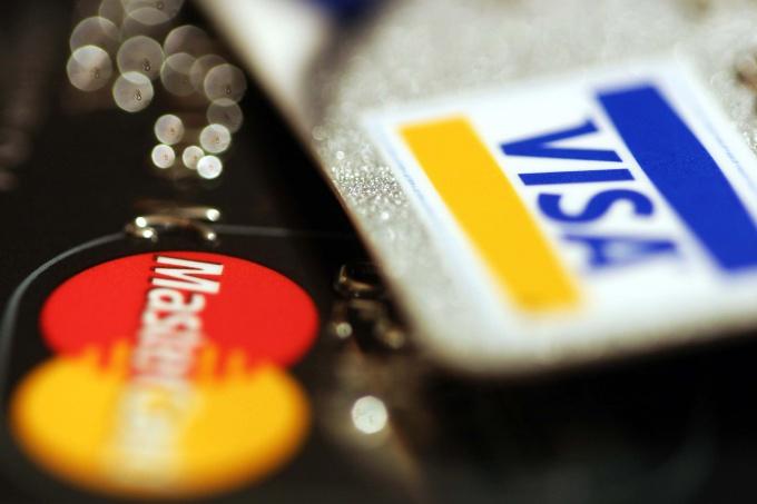 Как получить банковскую карту в Сбербанке