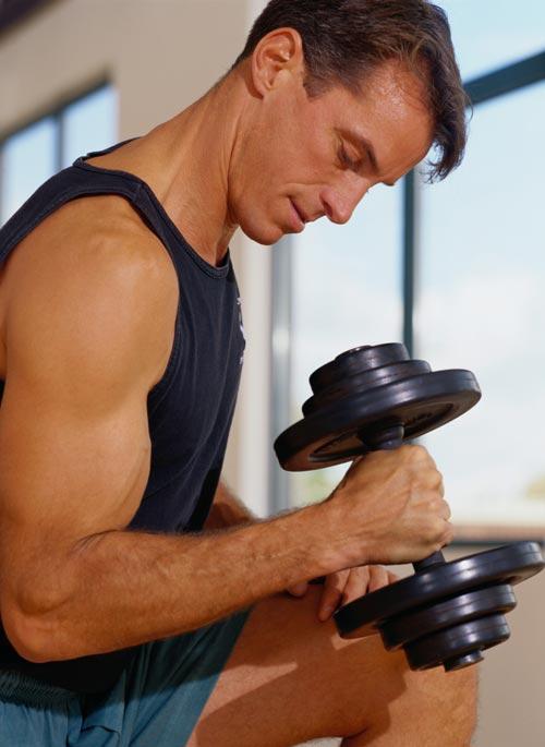 Выполняйте привычные упражнения по-новому, чтобы преодолеть плато.