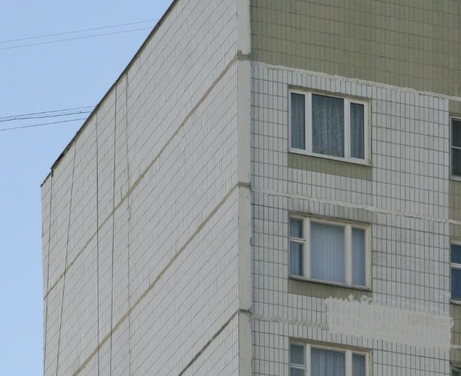 Обладателям угловых квартир классно знакома задача холодных стен