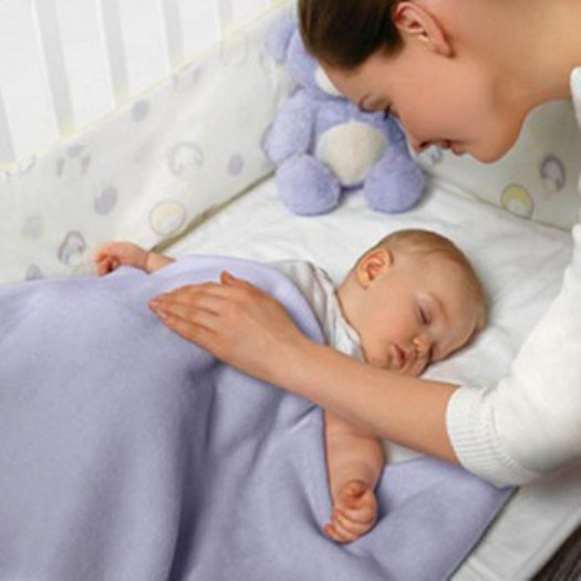 How to lay a year-old baby to sleep