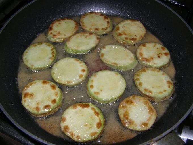 Как жарить кабачки вкусныеы