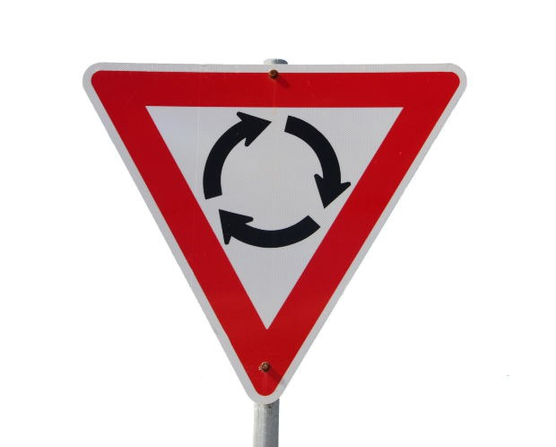 Чтобы ездить без аварий необходимо в совершенстве знать правила дорожного движения.