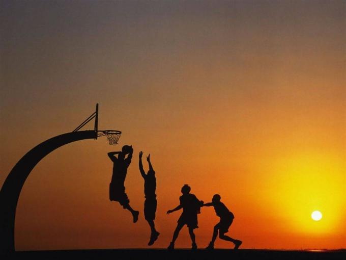 Высокий прыжок нужен для фурора во многих игровых видах спорта.