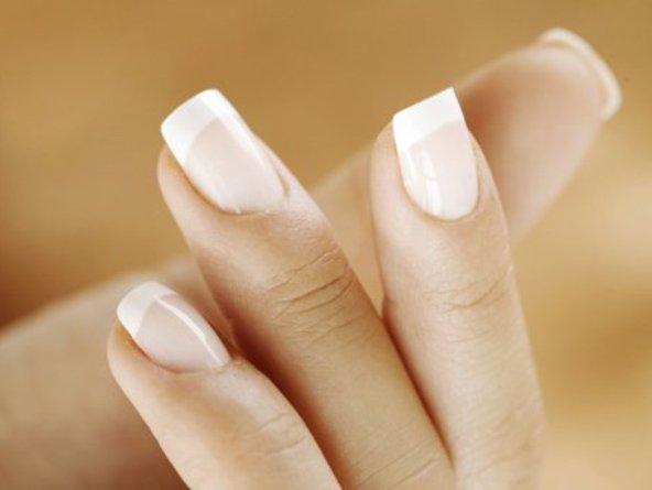 Берегите здоровье ваших рук и ногтей.