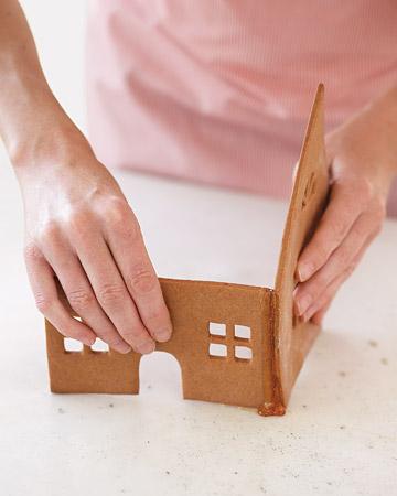 Как склеить домик