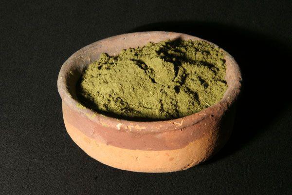 Natural henna has unsaturated greenish tint.