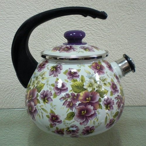 Как очистить эмалированный чайник