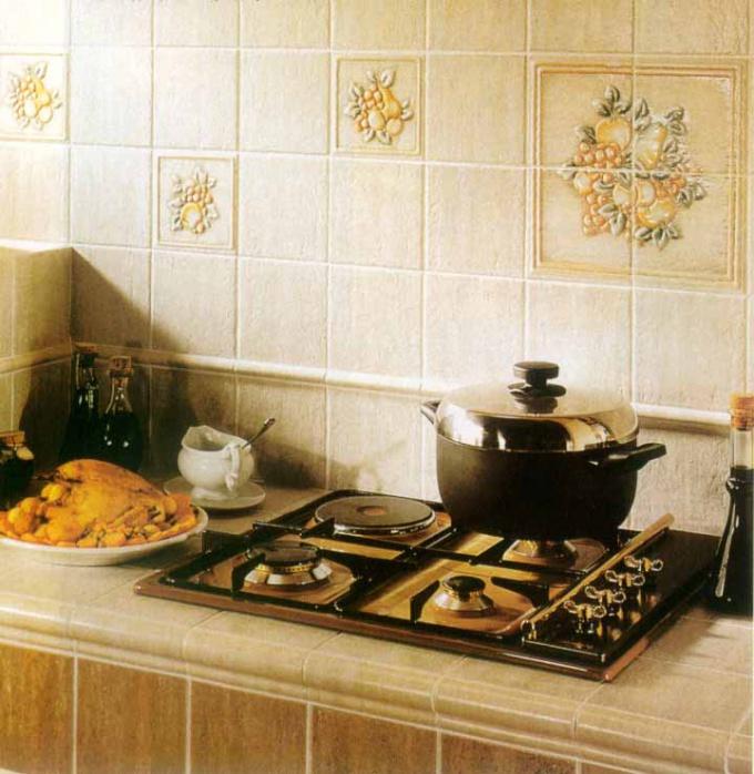 Как положить плитку на стенах кухни
