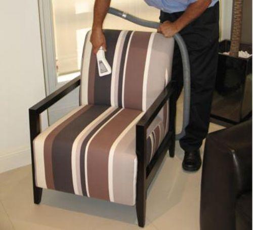 Старйтесь содержать мягкую мебель в чистоте.