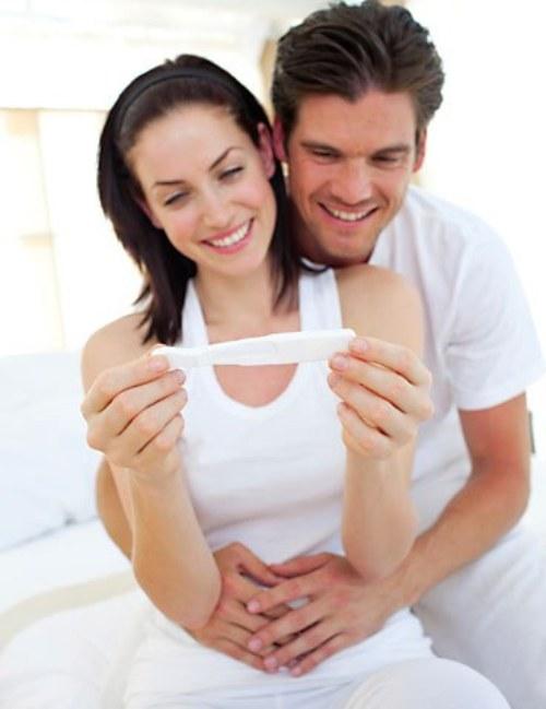 Как понять с первых дней что девушка беременна