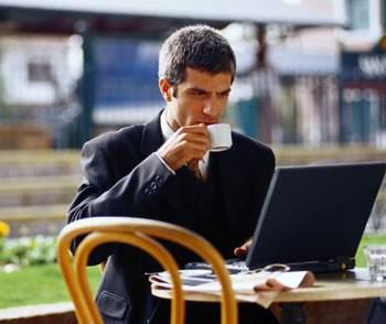 Чтобы работать эффективно, не обязательно проводить весь день в офисе.