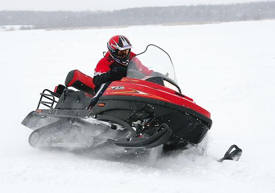 Управлять снегоходом можно лишь при наличии водительских  прав категории