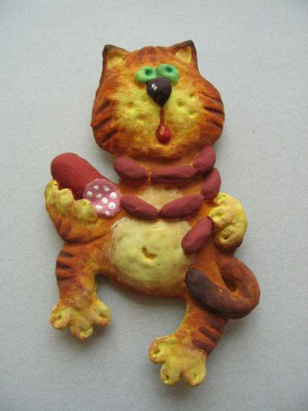 Из соленого теста можно сделать игрушку любой формы и расцветки.
