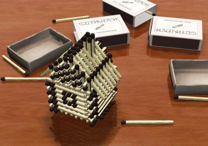 Как построить домик из спичек без клея
