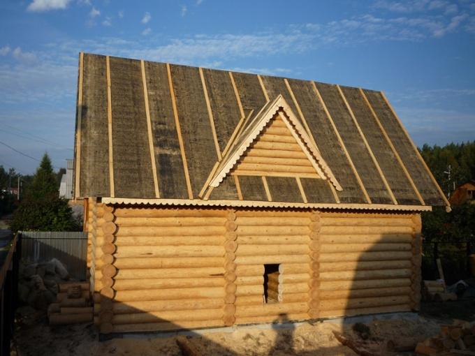 Как покрыть рубероидом крышу