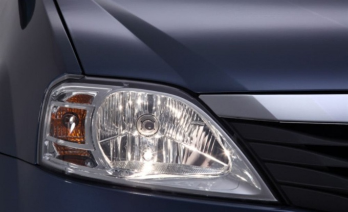 How to replace the lamp for Renault Logan