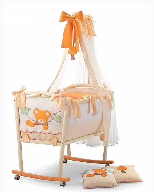 How to decorate baby cot