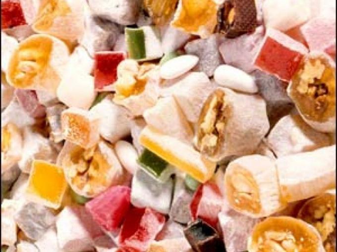 Конфеты из сахара с разными наполнителями