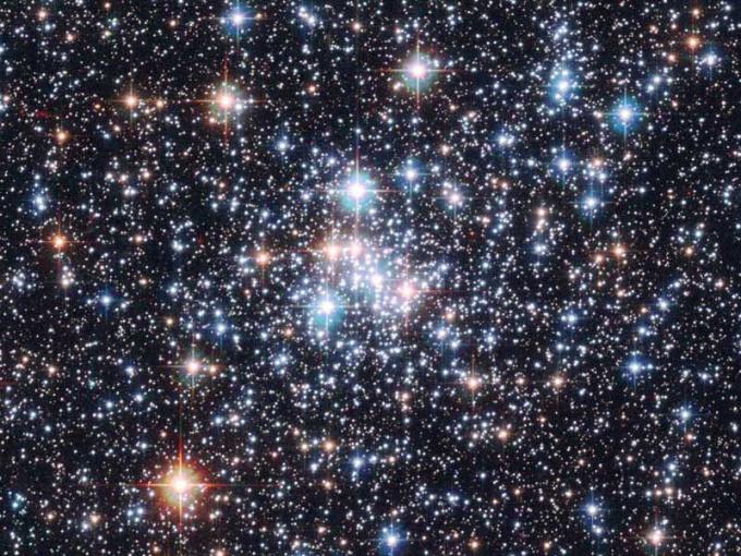 По словам ученых, звезды являются самым многочисленным населением