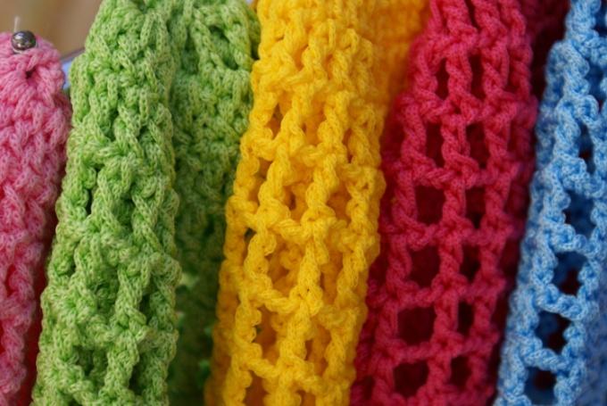 Как связать модный шарф
