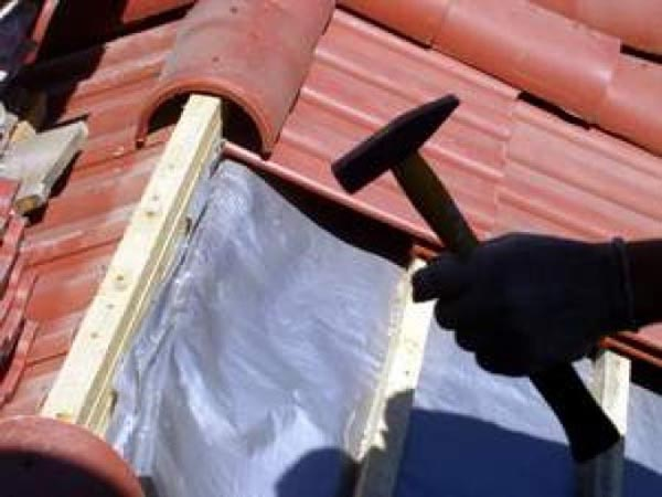 Как устранить течь крыши