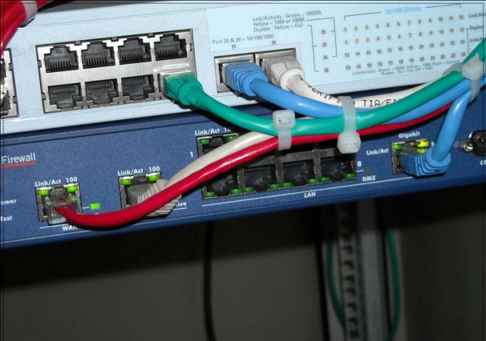 Как соединить две локальные <strong>сети</strong>