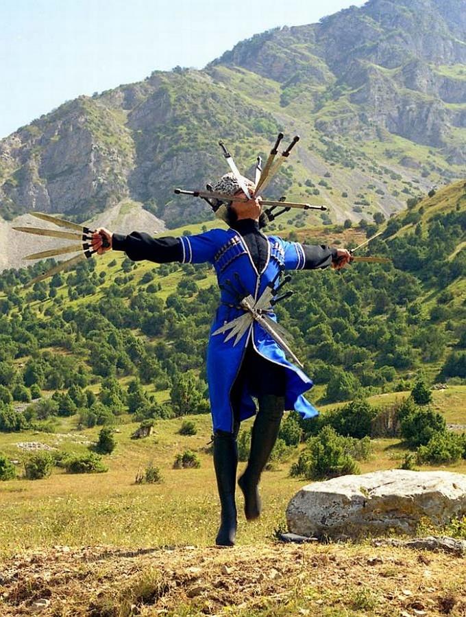 Лезгинка - демонстрация яростной силы и красоты