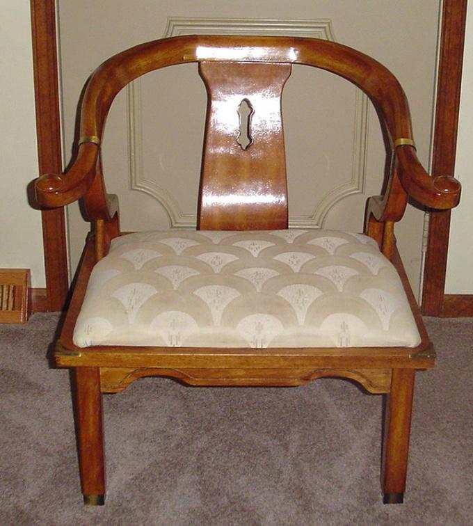Как обить стул