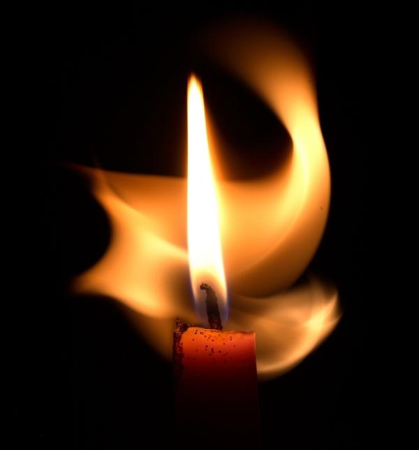 Как очистить дом свечами