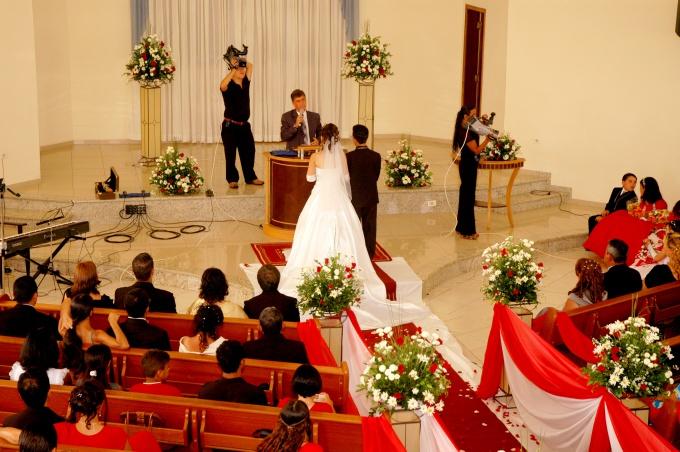 Как представить гостей на свадьбе