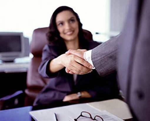 Принимая на работу студента, предприятие заключает с ним типовой договор - но с некоторыми поправками.