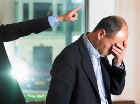 Как уволить работника по статье