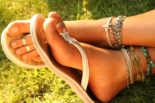 Как вывести бородавки на ступнях