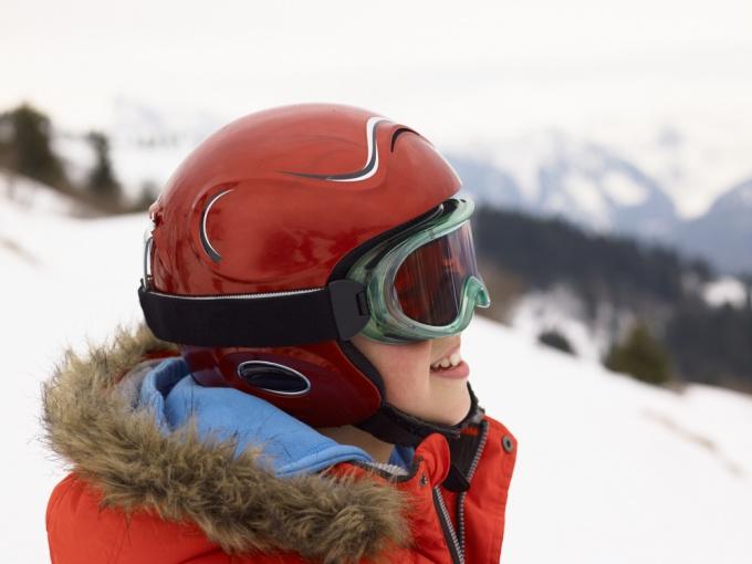 Как выбрать горнолыжный шлем