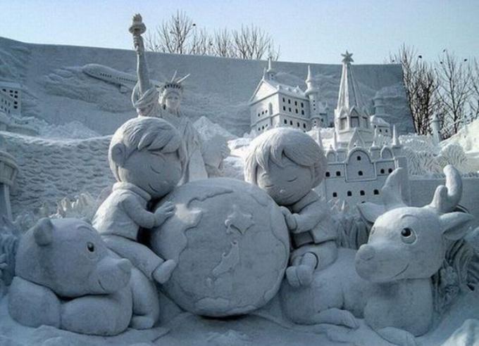 Как сделать снежную фигуру