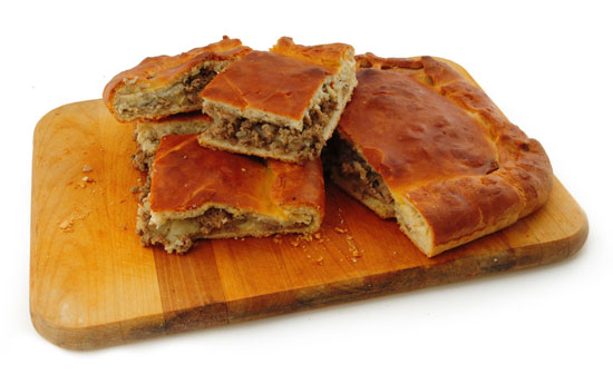 Как приготовить мясной пирог