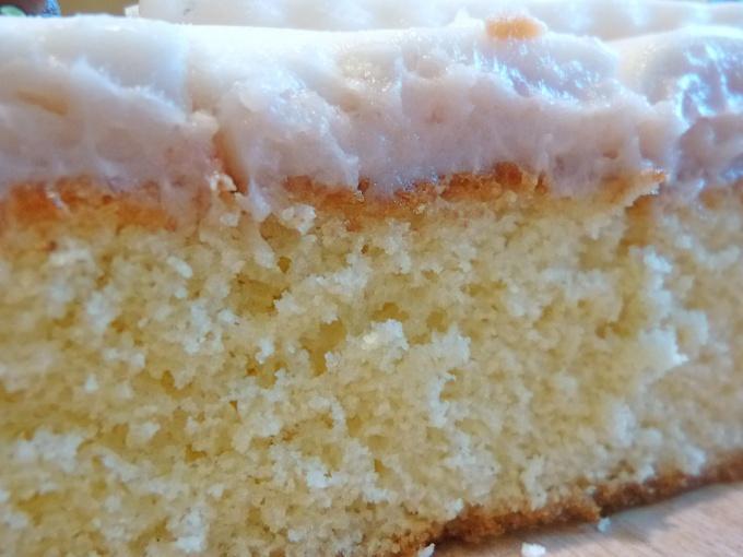 Бисквит может стать прекрасной основой для тортов и пирожных