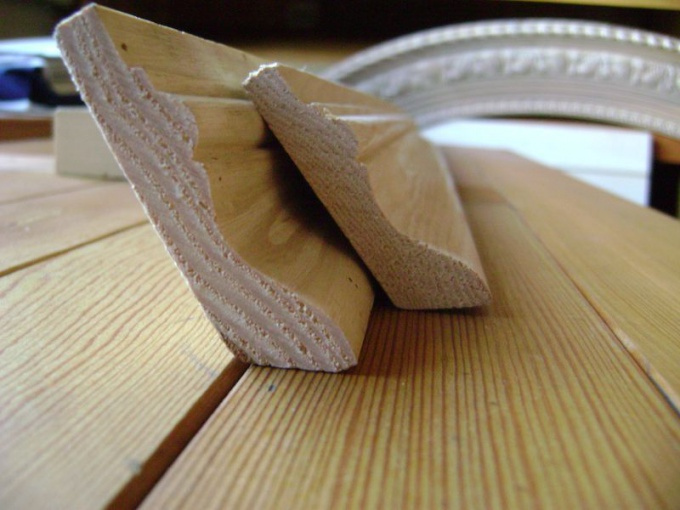 How to fit skirting