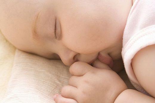 Как отучить ребенка пить ночью