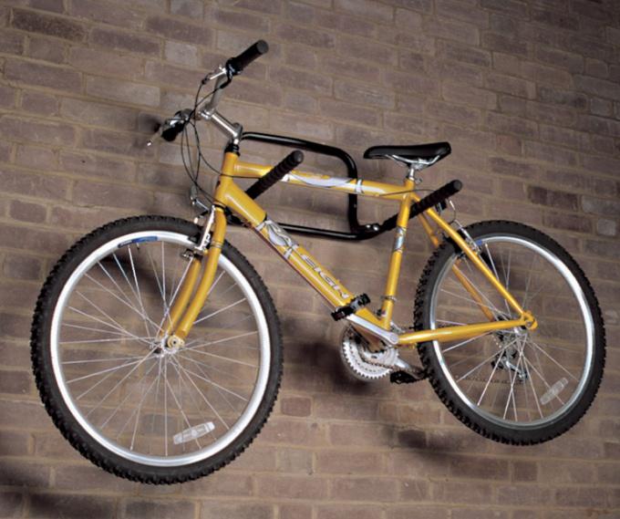Хранение велосипеда в подвешенном состоянии