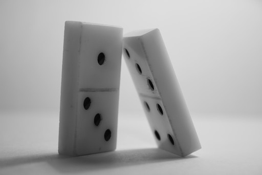 How to win at dominoes