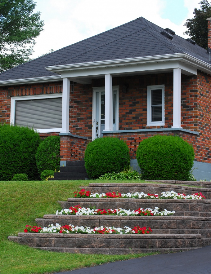 Как купить дом за городом