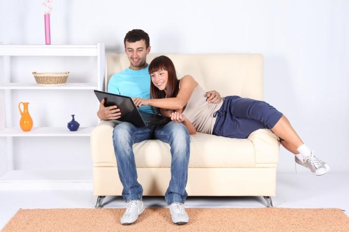 Как начать жить с парнем