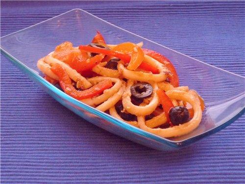 Кальмары и маслины - полезные морепродукты