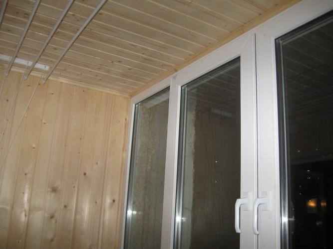 Как обшить балкон <b>пластиком</b>